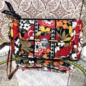 Women Vera Bradley wallet/wristlet/pouch